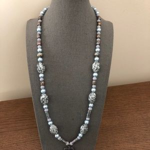 3/$25 ** Beads n stones string necklace